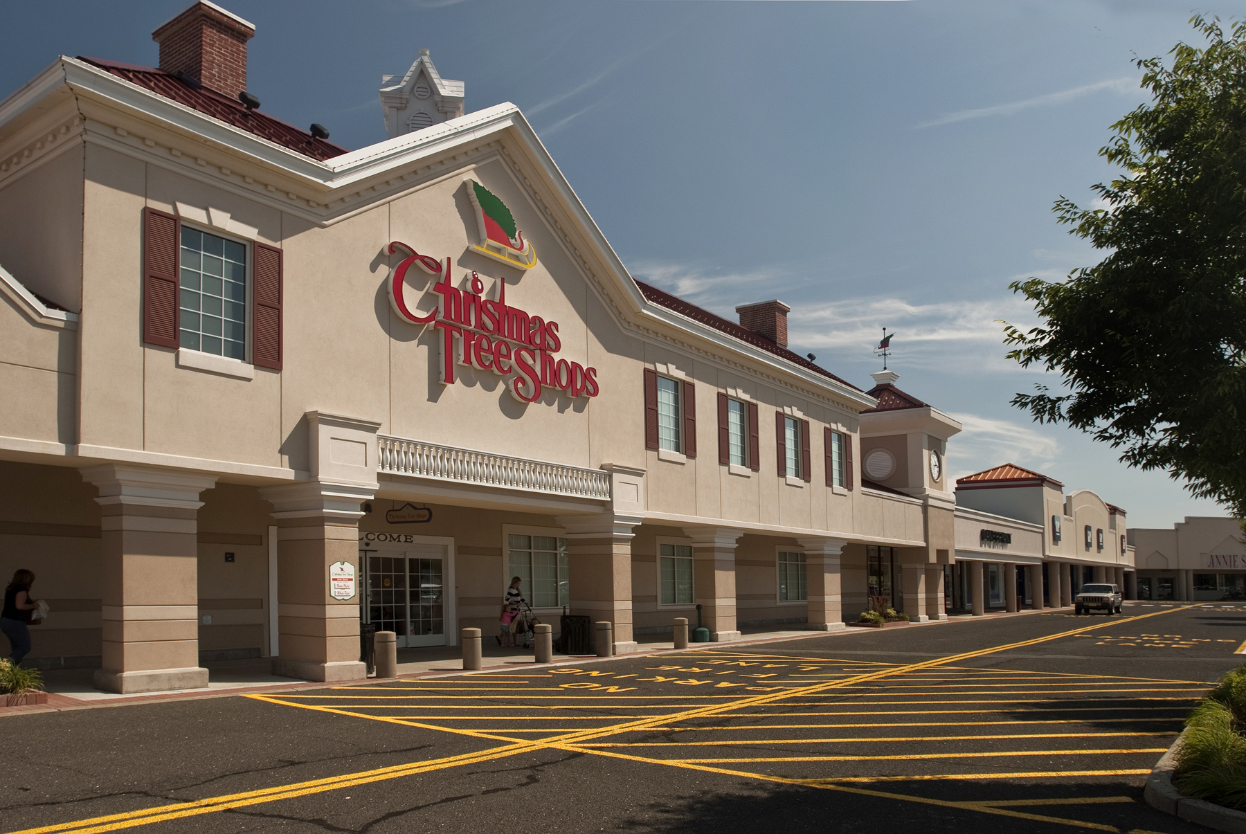 Levin Management Arranges Lease With The Zoo Health Club In Bridgewater N J Caryl